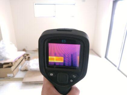 赤外線サーモグラフィーによる 断熱調査