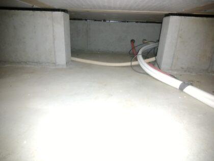 床下基礎の通気も確保されています。