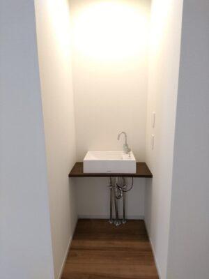 建設の 新築一戸建て (川越市) - 1階リビングにも手洗い器