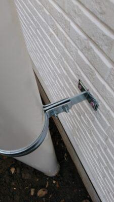 飯田産業 (東久留米市) の新築一戸建てを建物診断 - 排水管取り付けビスの緩み