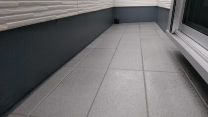 エス・ケイコンサルティング(相模原市)の新築一戸建て - バルコニーの床はタイル貼り