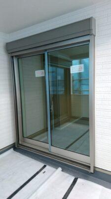 アーネストワン(相模原市)の新築一戸建て - 1階・2階共に窓シャッターが付いています
