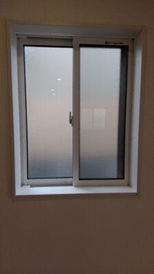 東栄住宅(深谷市)の新築一戸建て - 断熱性の高いアルミ樹脂複合タイプのサッシ