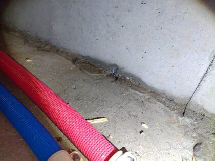 基礎コンクリート施工不良による地下水侵入