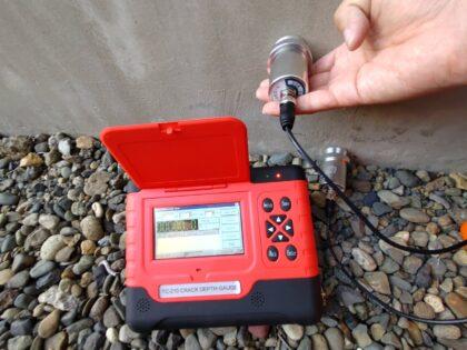 クラック深度測定器による建物診断