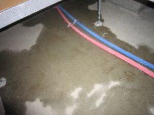 床下(水漏れ)